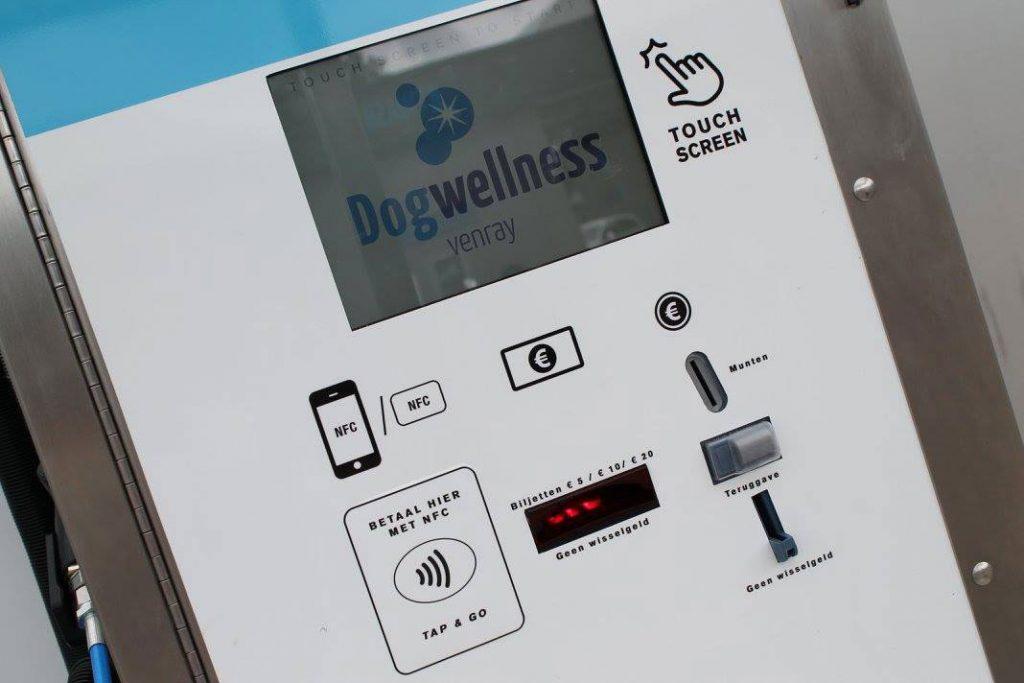 Ecran tactile de nos stations de lavage canin