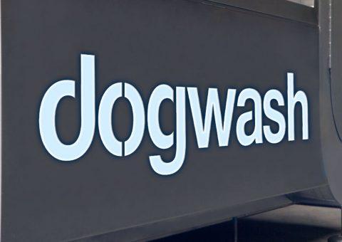 Panneau retro éclairé Dogwash