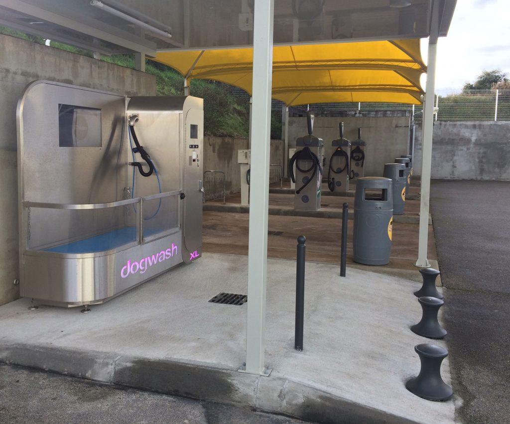 Dogwash XL dans une station de lavage automobile
