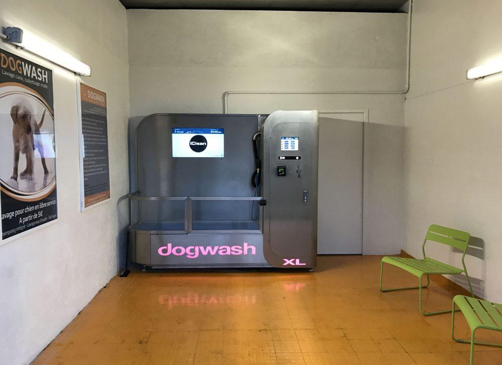 Aménagement d'un local chez un client équipé d'un dogwash XL